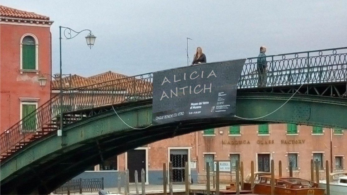 cartel en el puente de Murano